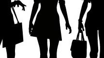 Siluetas de mujeres jóvenes