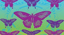 Mariposas variadas en violeta