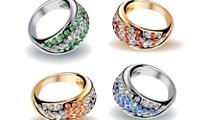 Seis anillos con brillantes de aspecto realista